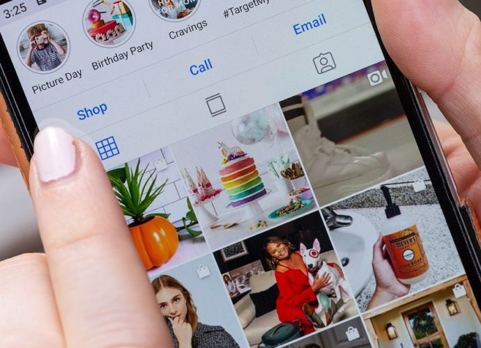 Instagram says sites need photographers permission to embed posts
