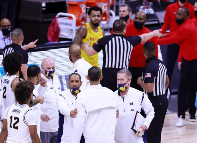 dm 210312 Michigan Maryland fight Howard ejected818